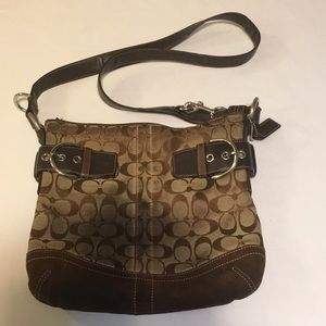 Coach Cross-Over Purse very Pre-Loved💕 Shows wear